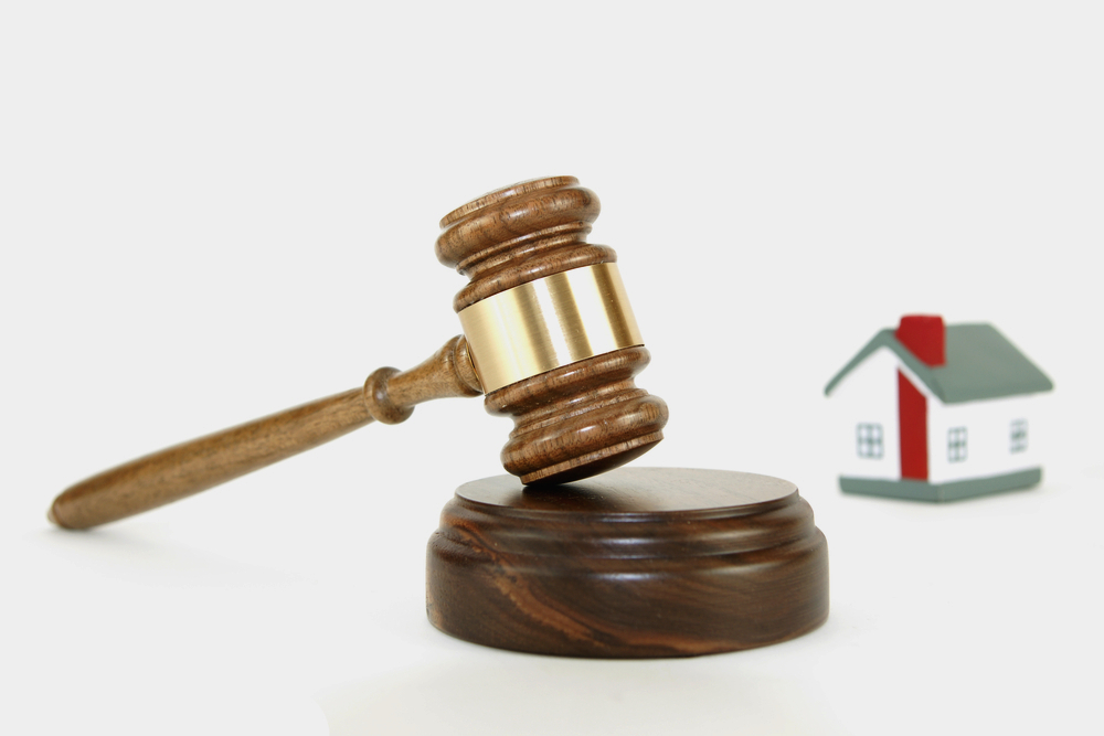 Low Prices at Foreclosure Home Auctions